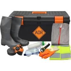Ik ben een eigen rijder en heb een vraag. Wat moet er in mijn ADR koffer aan spullen zitten? 1