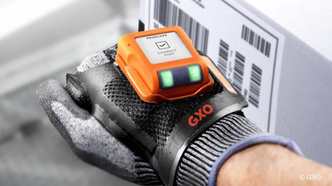 Orderpicking GXO Logistics via handsfree handschoen-scanners